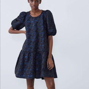Zara voluminous jacquard dress with pocket